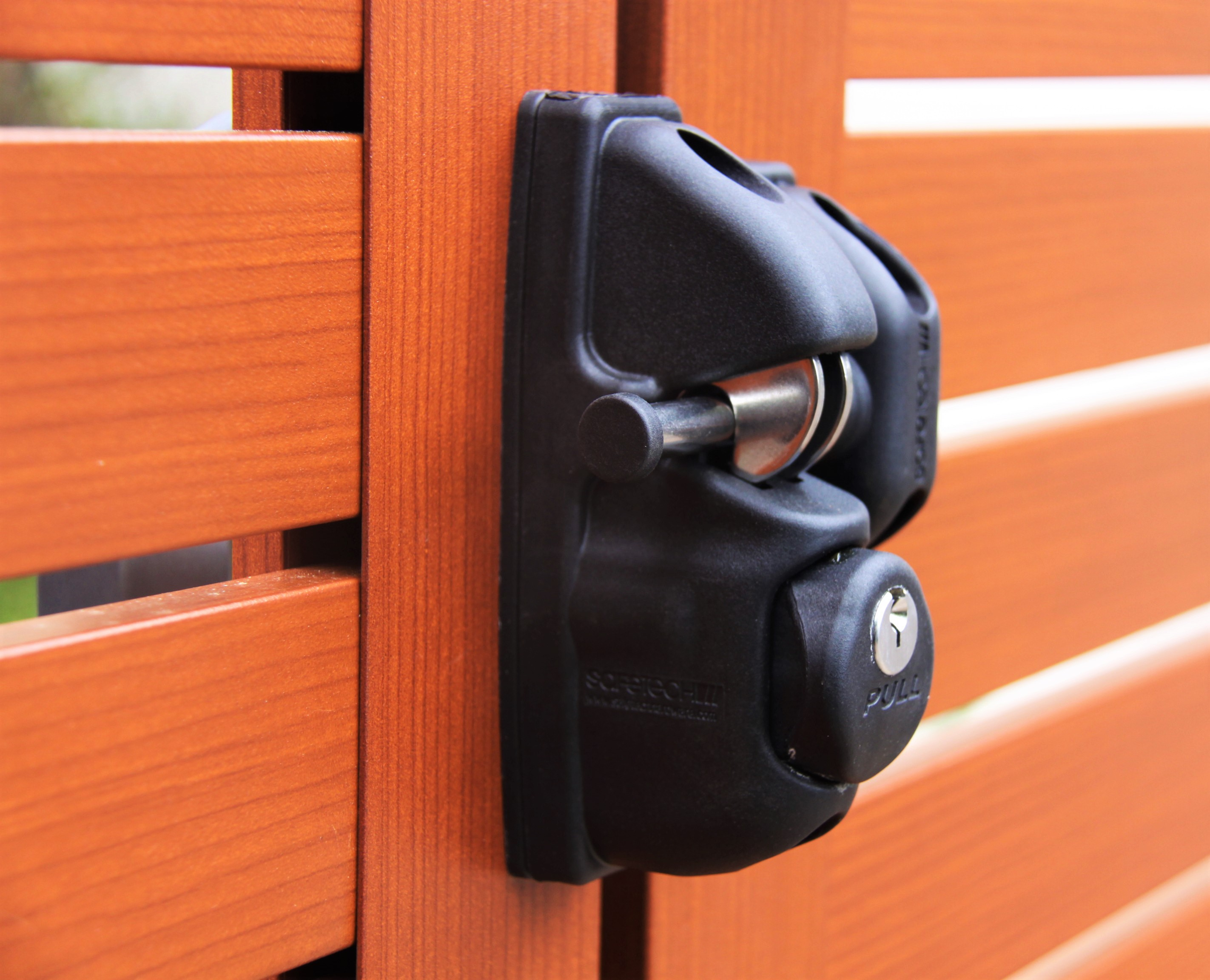 Polymer And Steel Key Locking Gravity Gate Latch. It Is Key Lockable Both  Sides (X2), Easy To Use, Can Be Repinned For WAS Compatibility (POA) And To  Suit ...