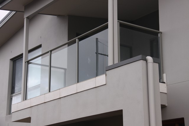 Cheap Glass Handrails And Pool Fencing Installations In