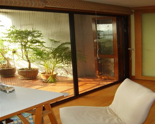 Retractable Insect Screens & Roller Fly Screens